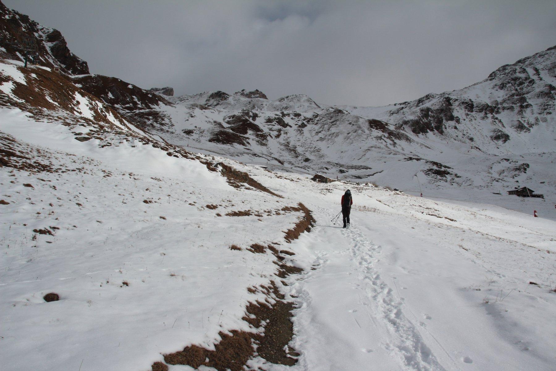 salendo nel vallone a destra del Gran Collet