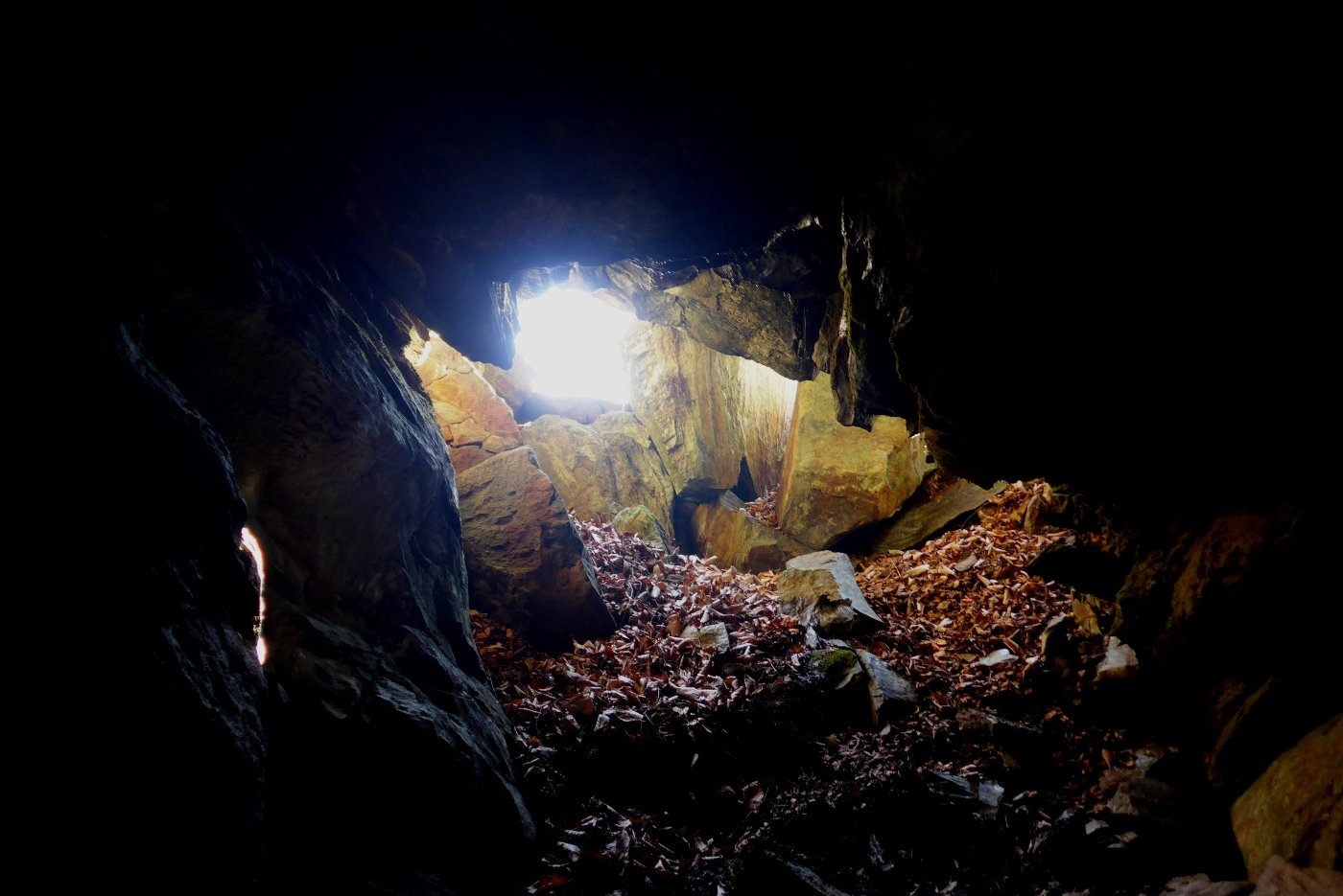 L'entrata della grotta