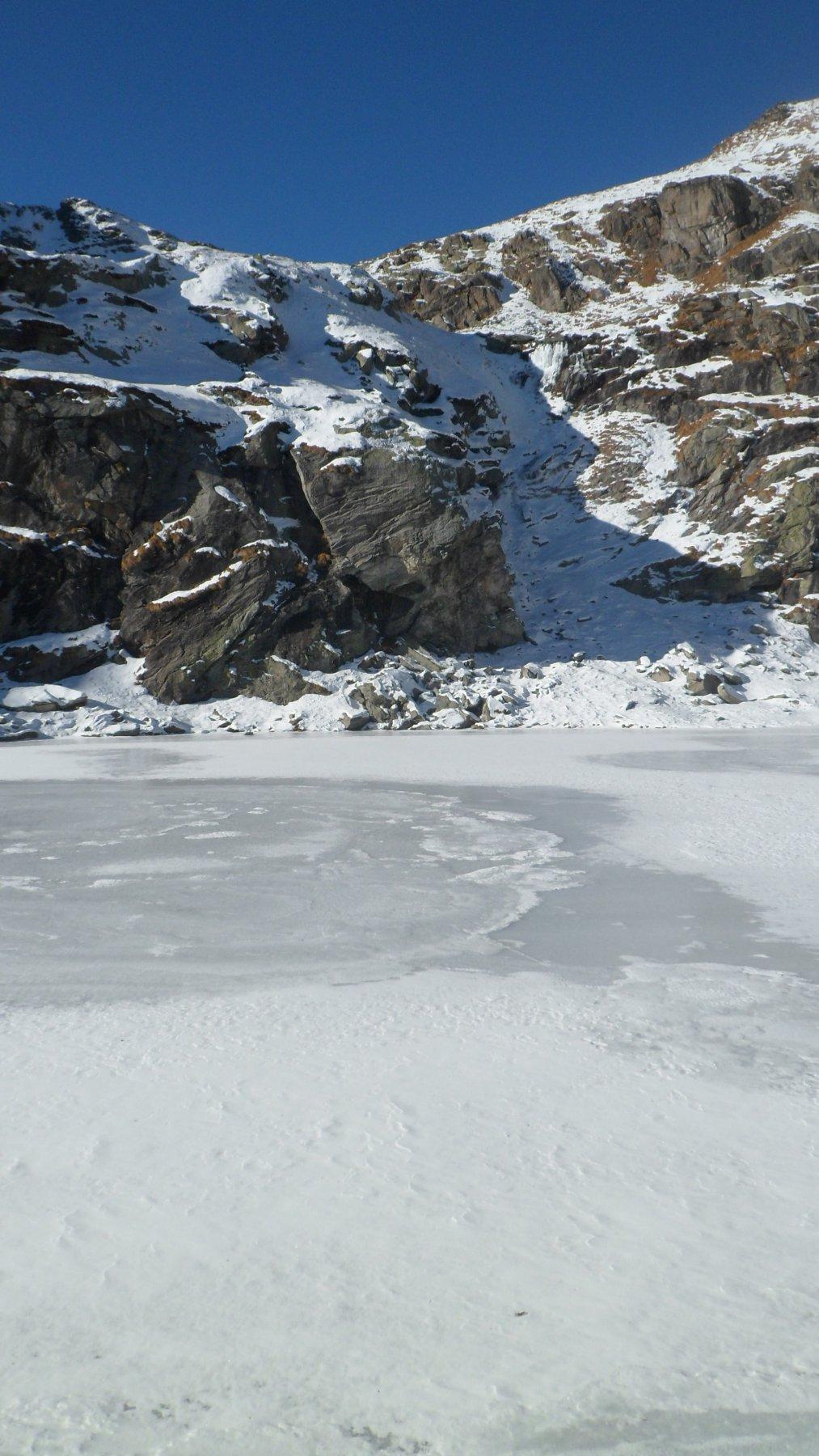 Il lago di Boiret e il colle della Forca