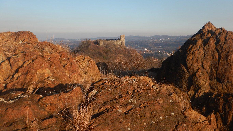 Castello di Avigliana dalle Rocce Rosse
