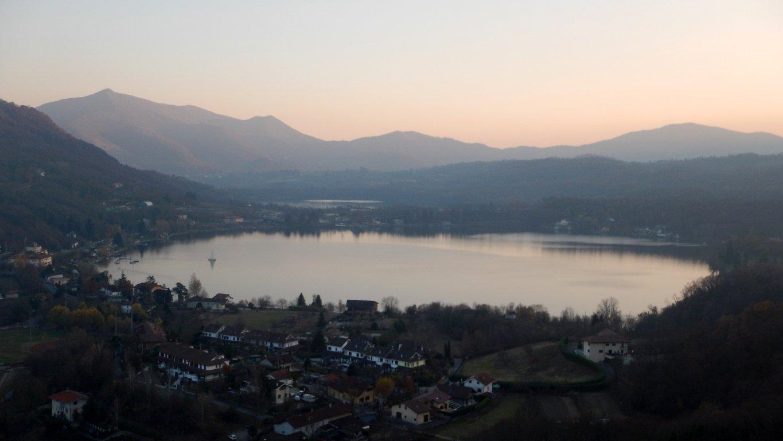 Da Monte Capretto vista laghi