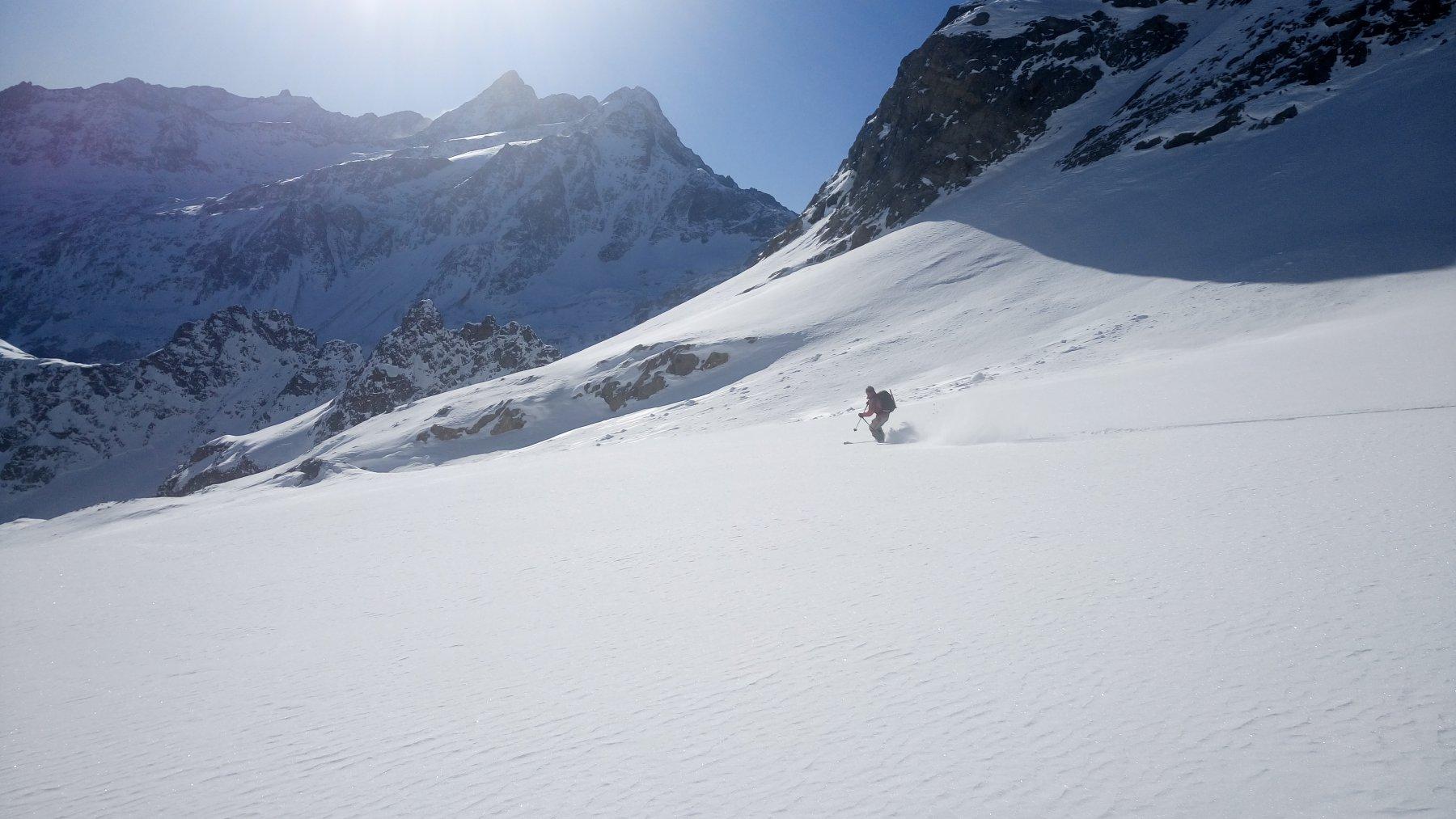 Discesa sul piccolo ghiacciaio spettacolare