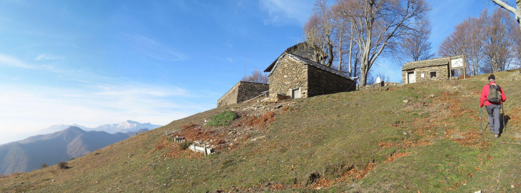 Rifugio Casa dell'Alpino all'Alpe Prà m. 1223
