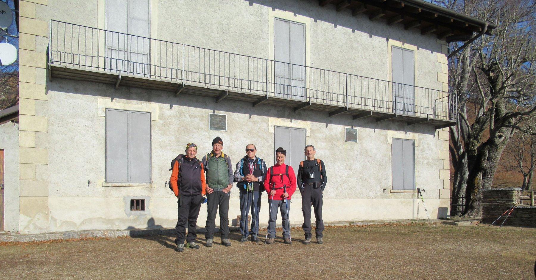 Con gli amici al Rifugio dell'Alpino
