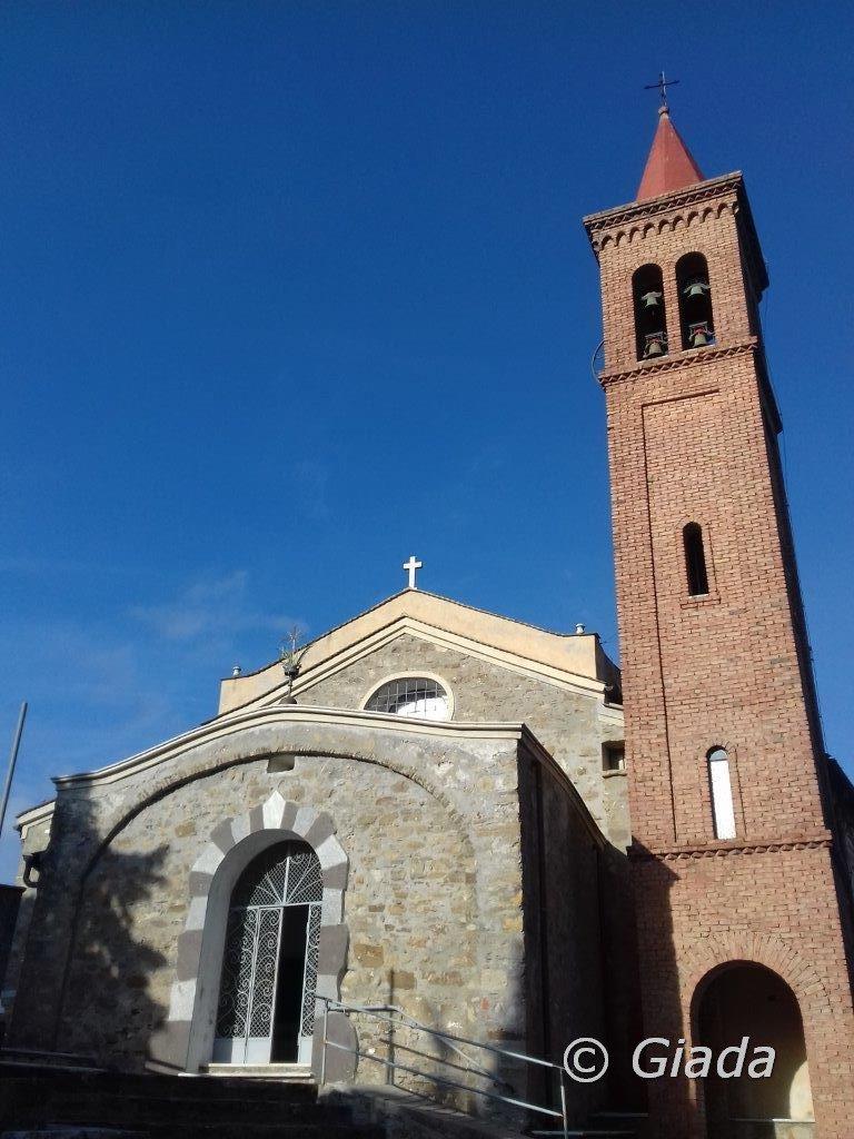 Il piccolo Santuario di Madonna della Guardia
