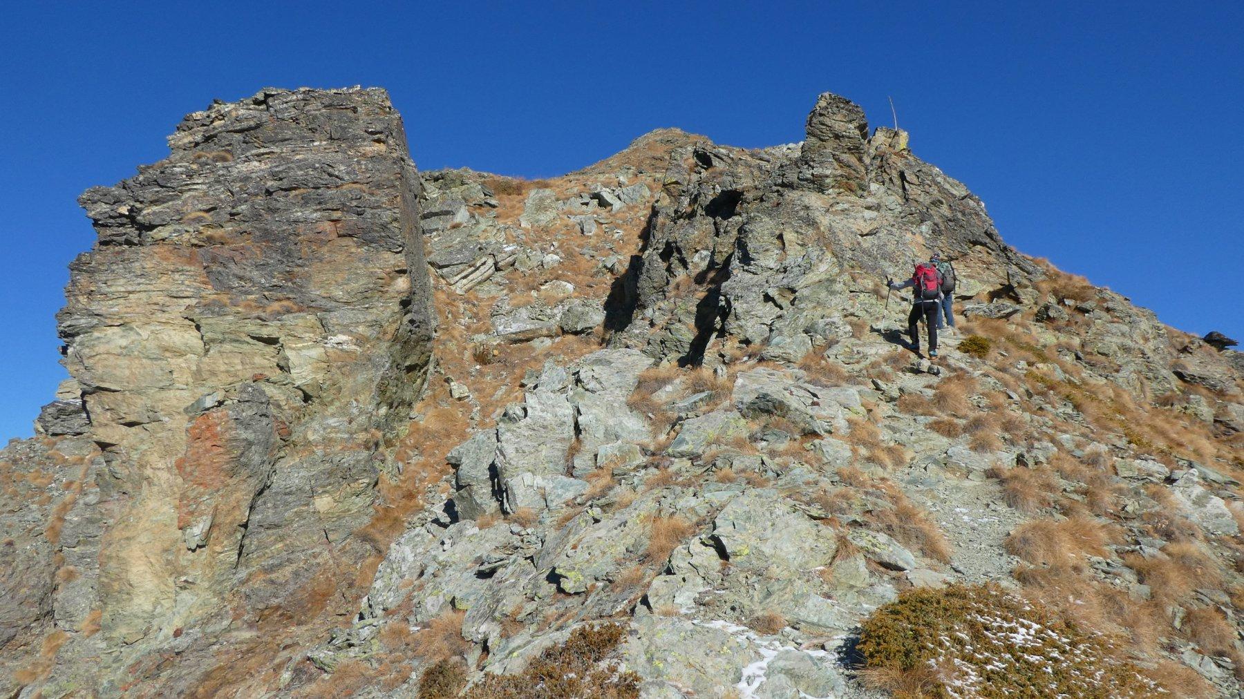 salendo lungo la cresta SO del Monte Tantanè