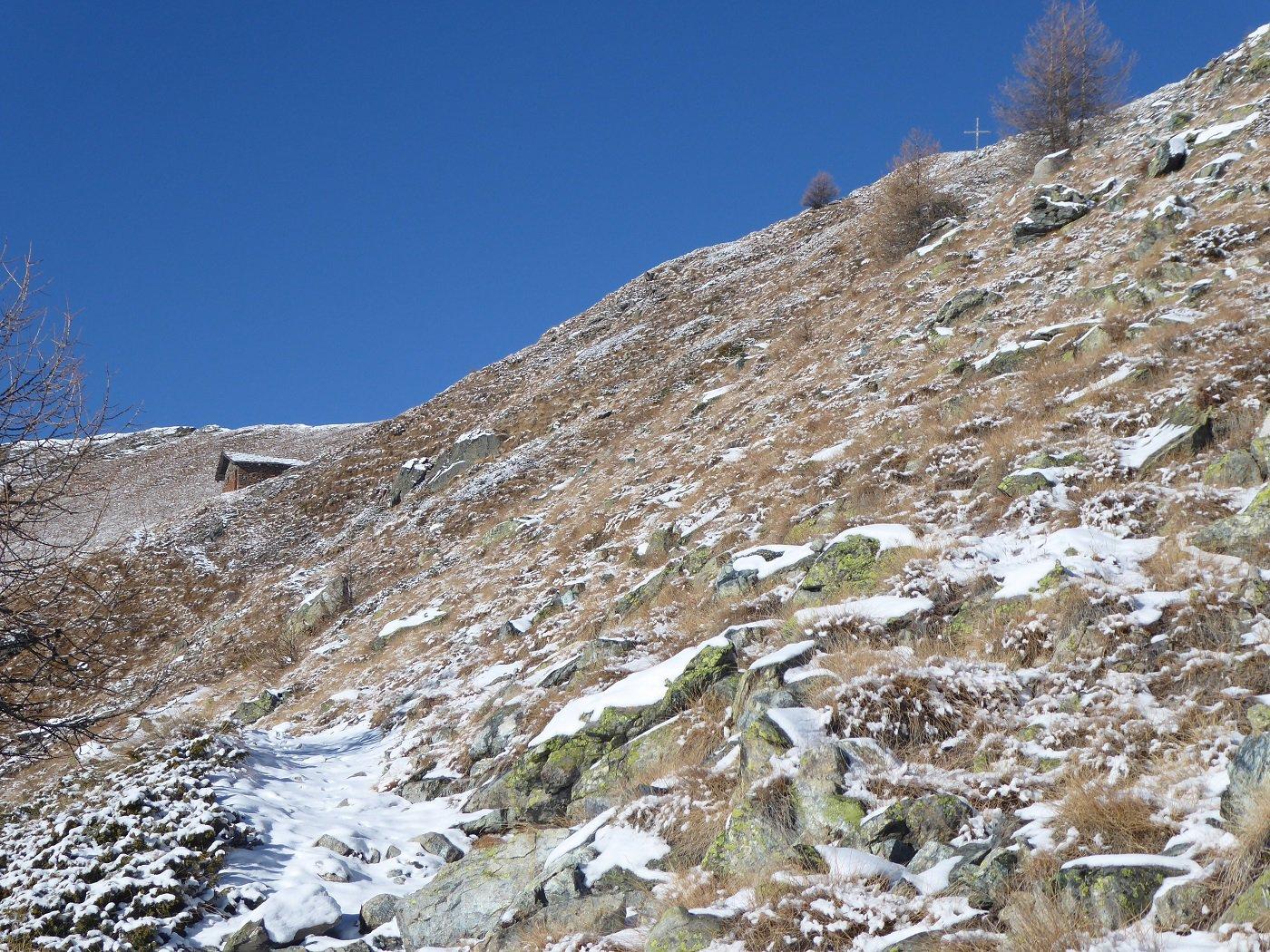 Dopo il Colle la neve è praticamente assente.