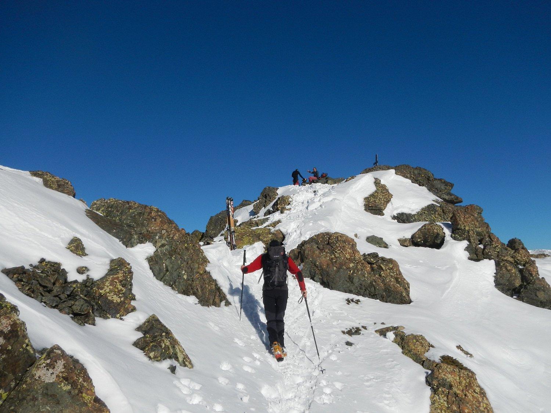 breve tratto a piedi verso la cima