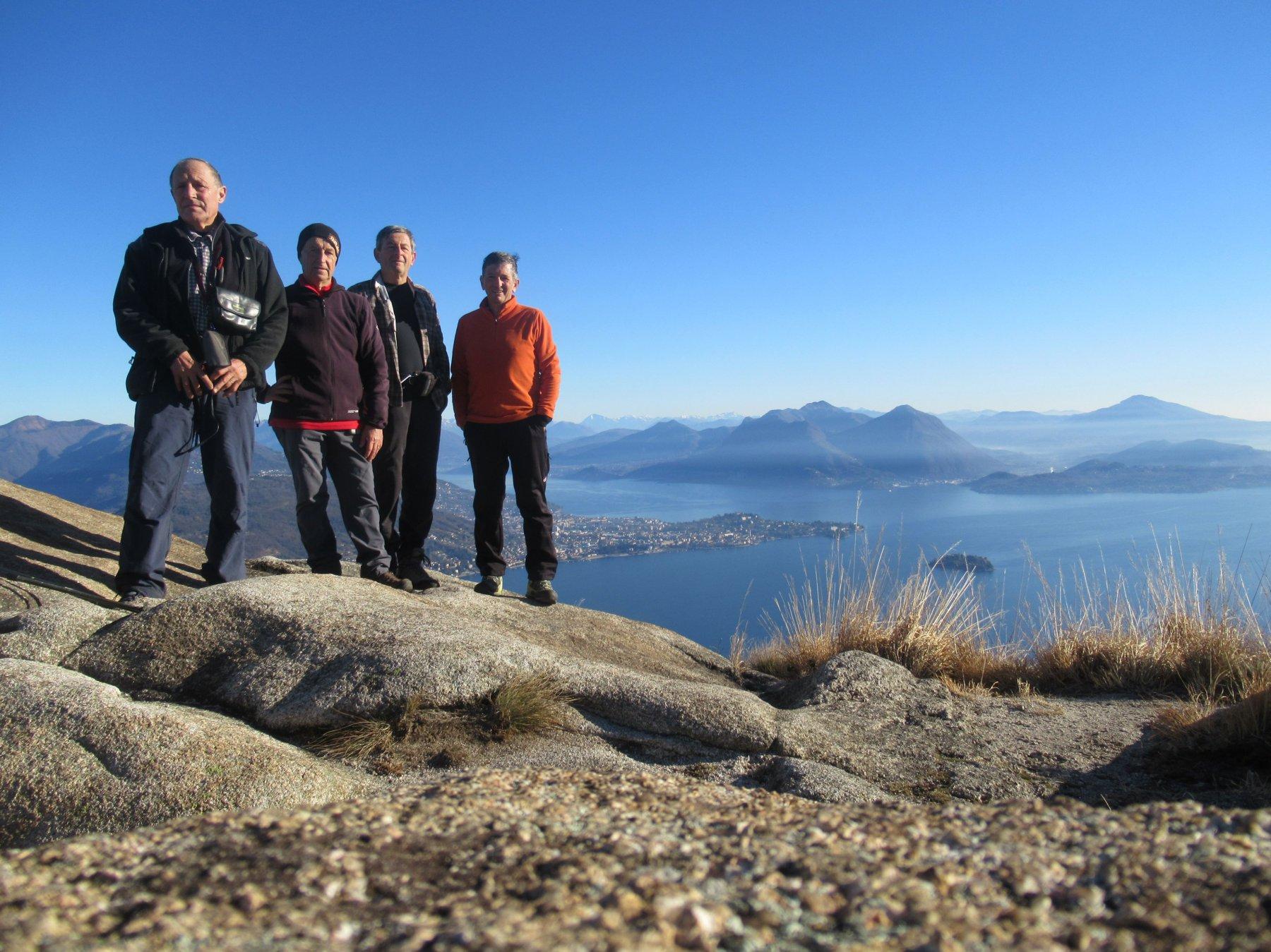foto di gruppo sul Monte Camoscio