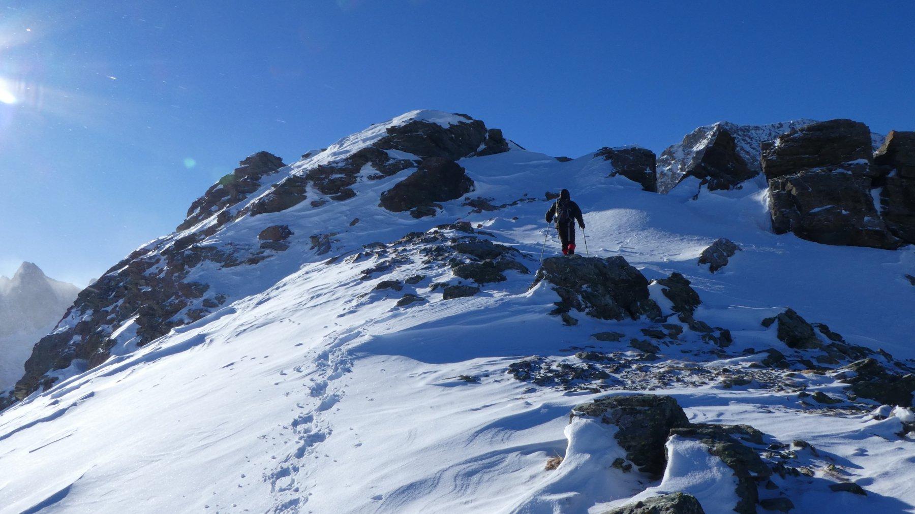 ultimi metri prima di raggiungere il blocco roccioso della cima