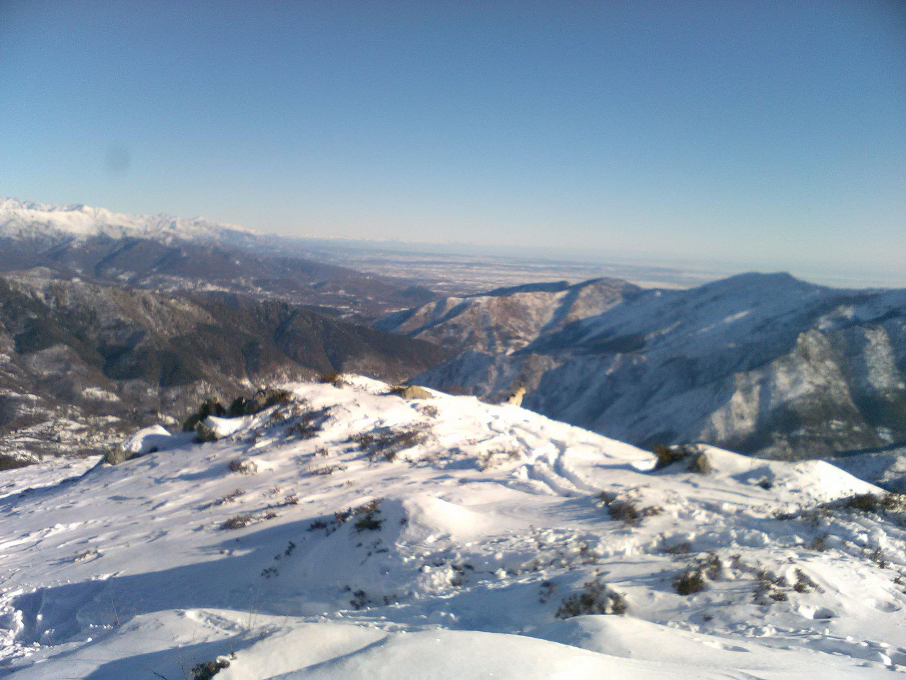 Neve in cima proprio pochina