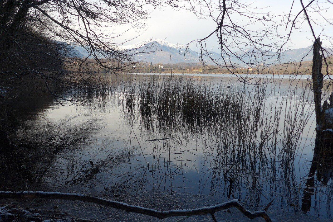 Dalla sponda ovest del Lago Piccolo