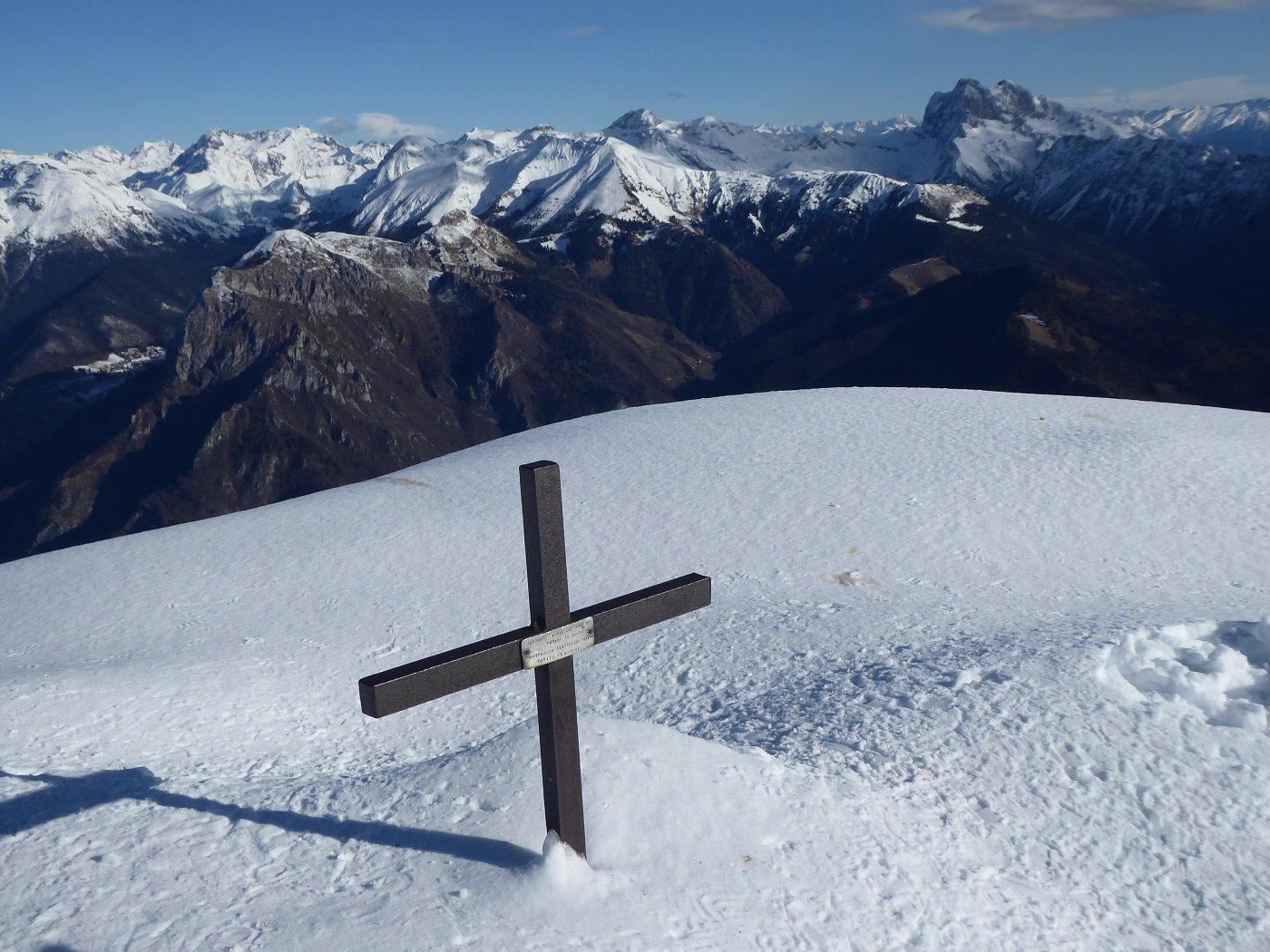 Panorama dalla vetta, con un'altra croce!