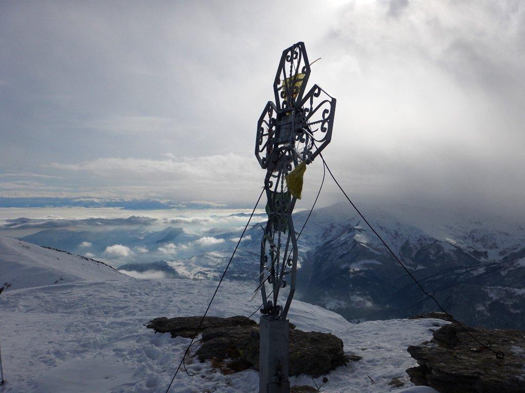 La croce attende la neve