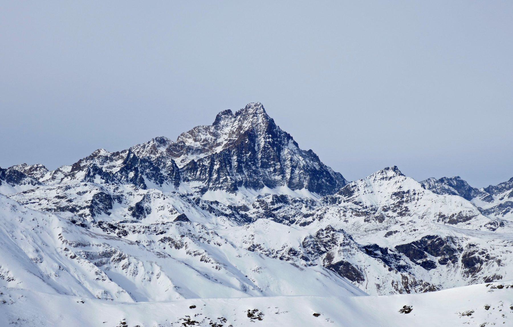 Il Monviso,davvero imponente, visto dalla cima