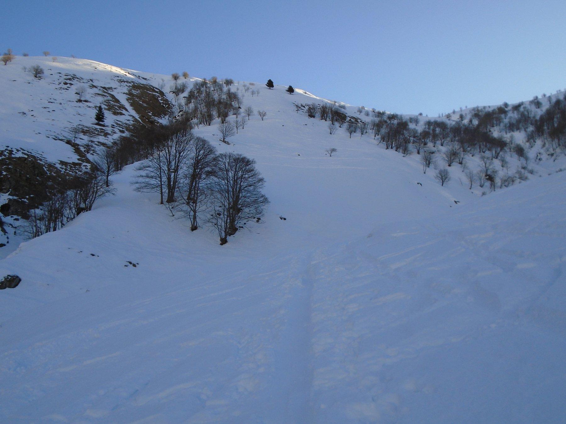 Bella traccia di sci verso Cima Gardun