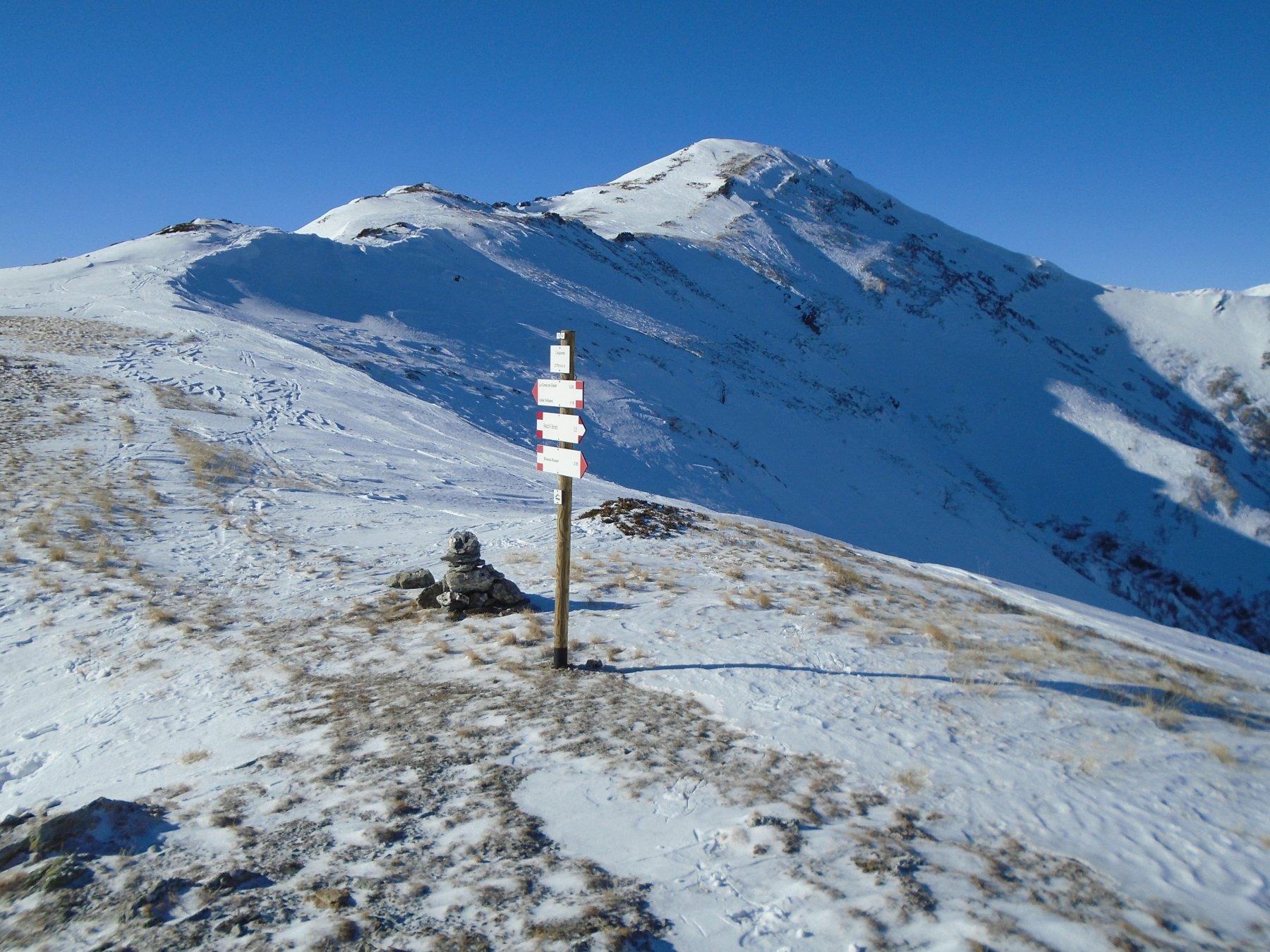 Colle Aigaversa (2178m) e tratto verso Monte Omo.