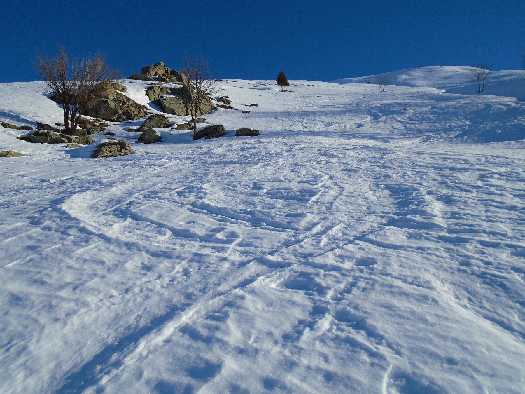 Parte mediana su neve portante morbida