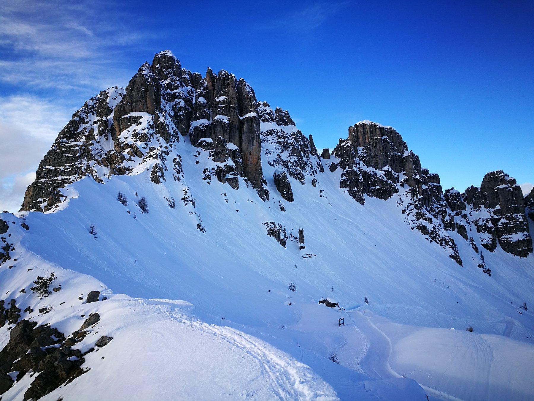 01 - dalla cima verso le vicinissime Aguilles de Chabrières
