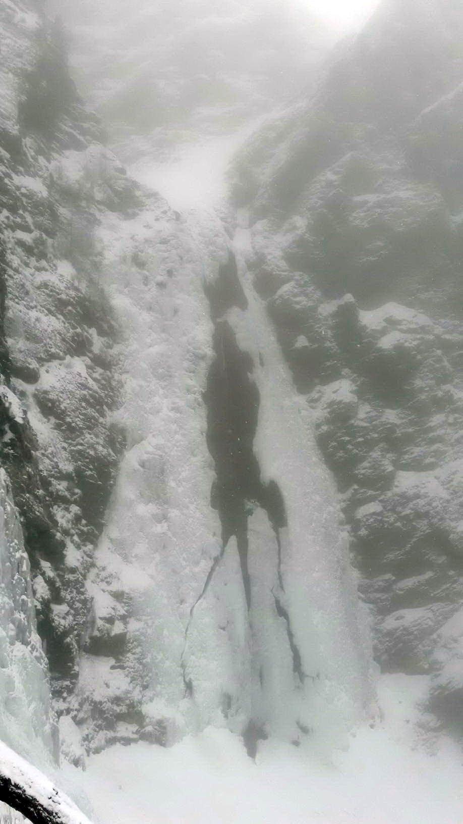 la cascata originale mezza collassata
