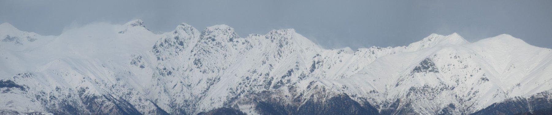 Dal Monte Capio (sx)  alla Massa del Turlo (dx)