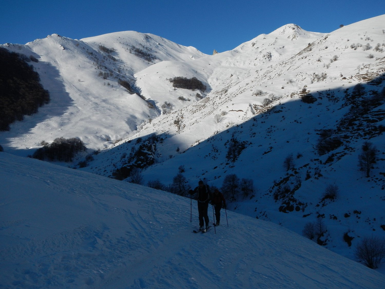 sullo sfondo a sinistra il Monte Gorfi