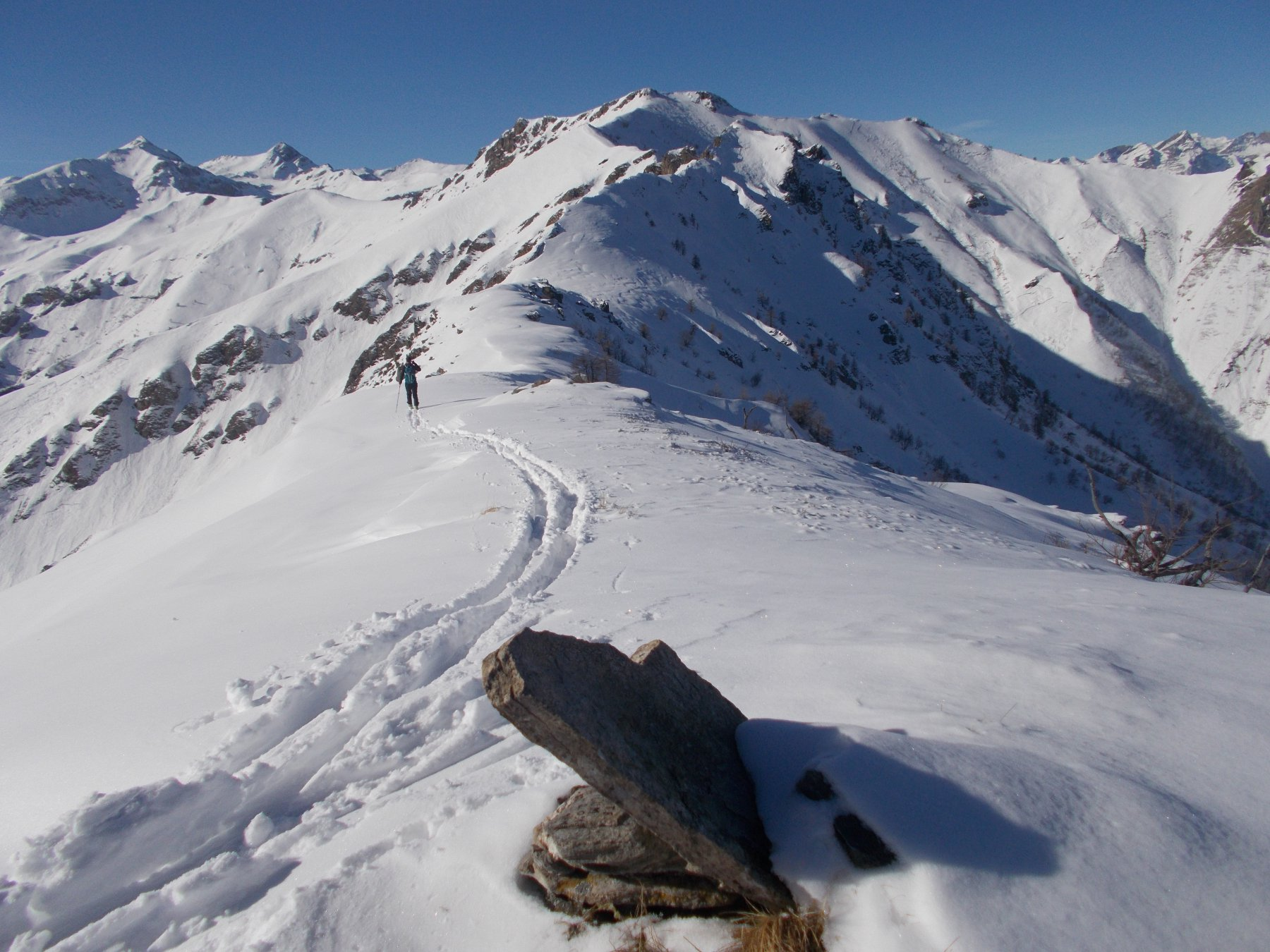 dal Plum davanti a noi i due km di cresta che non saranno tutti facili come da qui sembrano..