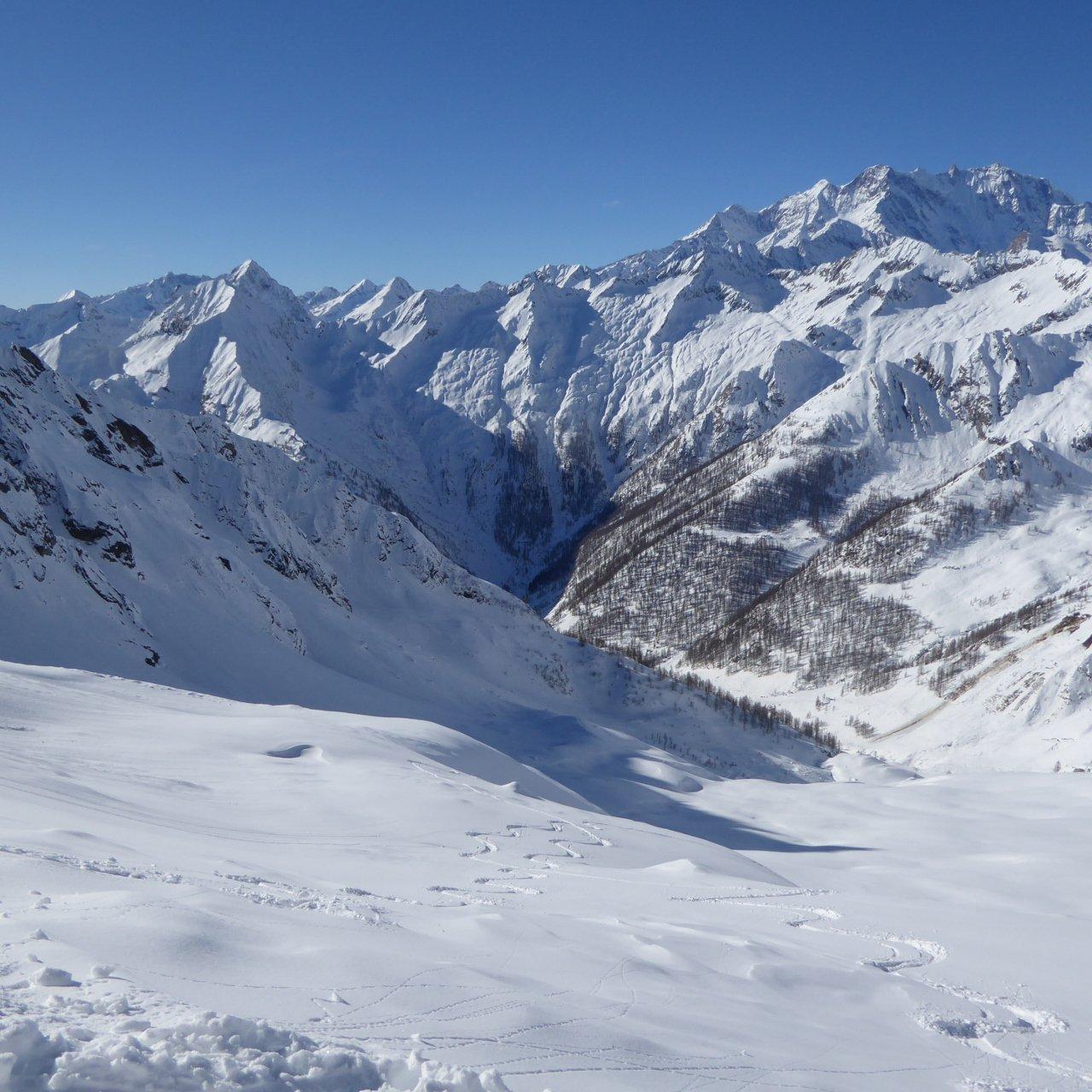bella neve e bel panorama dalla bocchetta