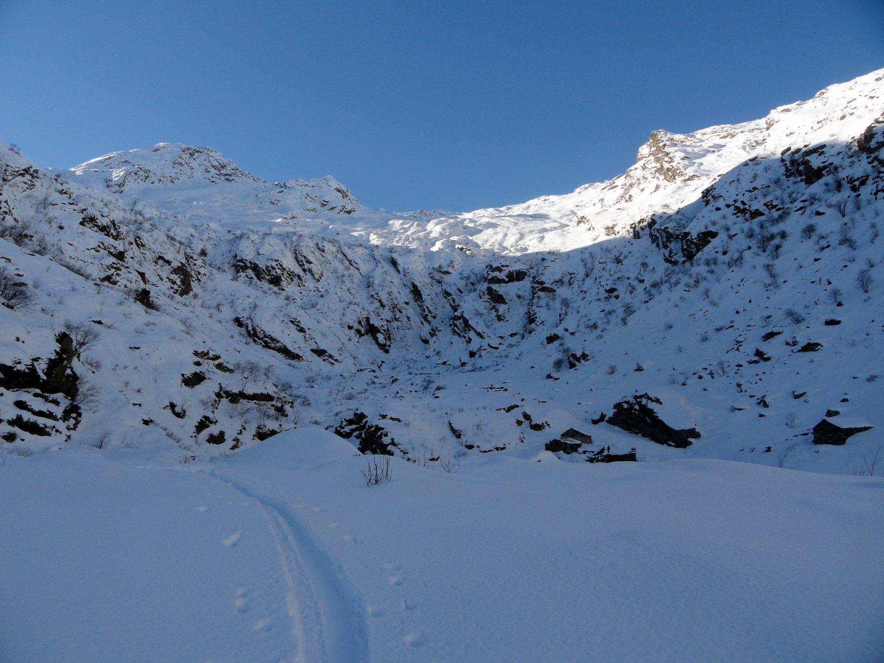 la costa Bordevolo vista da sopra la gorgia...l'apparenza non è granchè, invece c'è tanto da sciare!