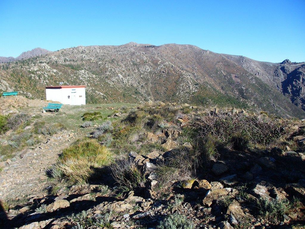 Bivacco Paganetto, in alto a sx il Martin, a dx Punta del Corno(foto del 18/11/2017)