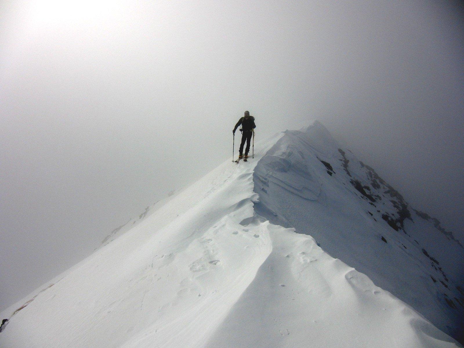 Arriva la nebbia in cresta