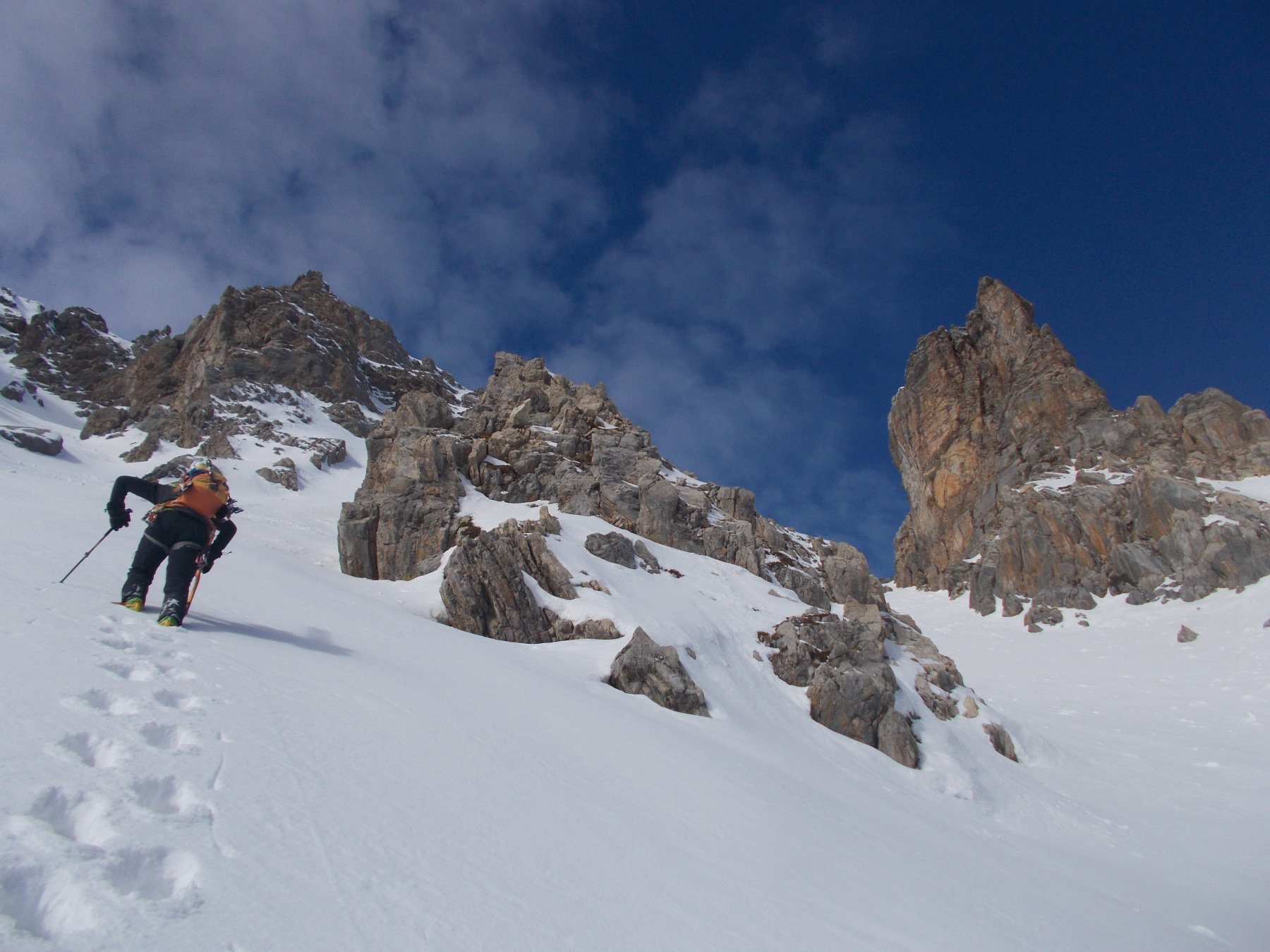 via gli sci..e su picca e ramponi..