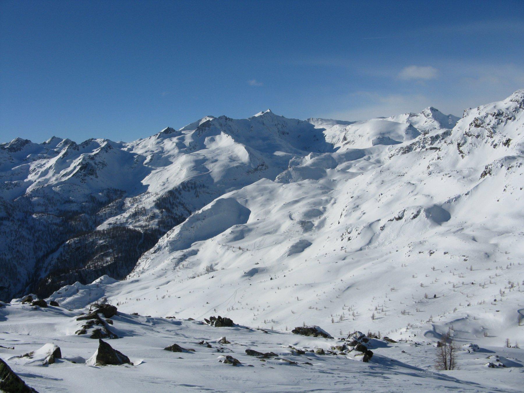 panorama sull'alta valle con il Mont Glacier in vista