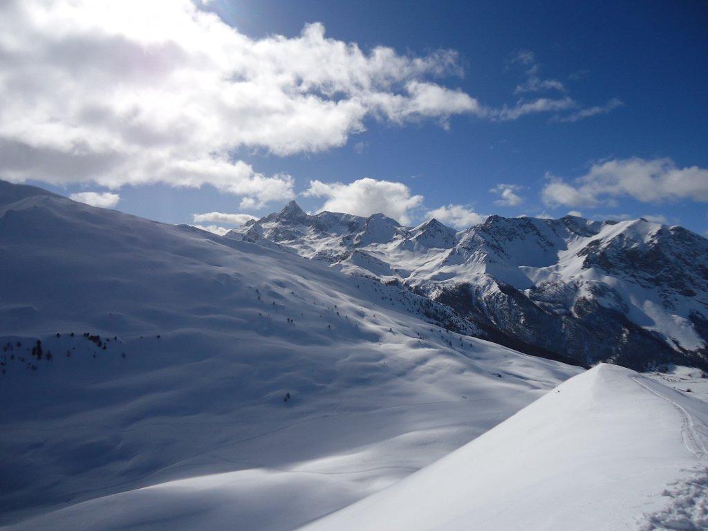 sullo sfondo Pic de Rocquebrune
