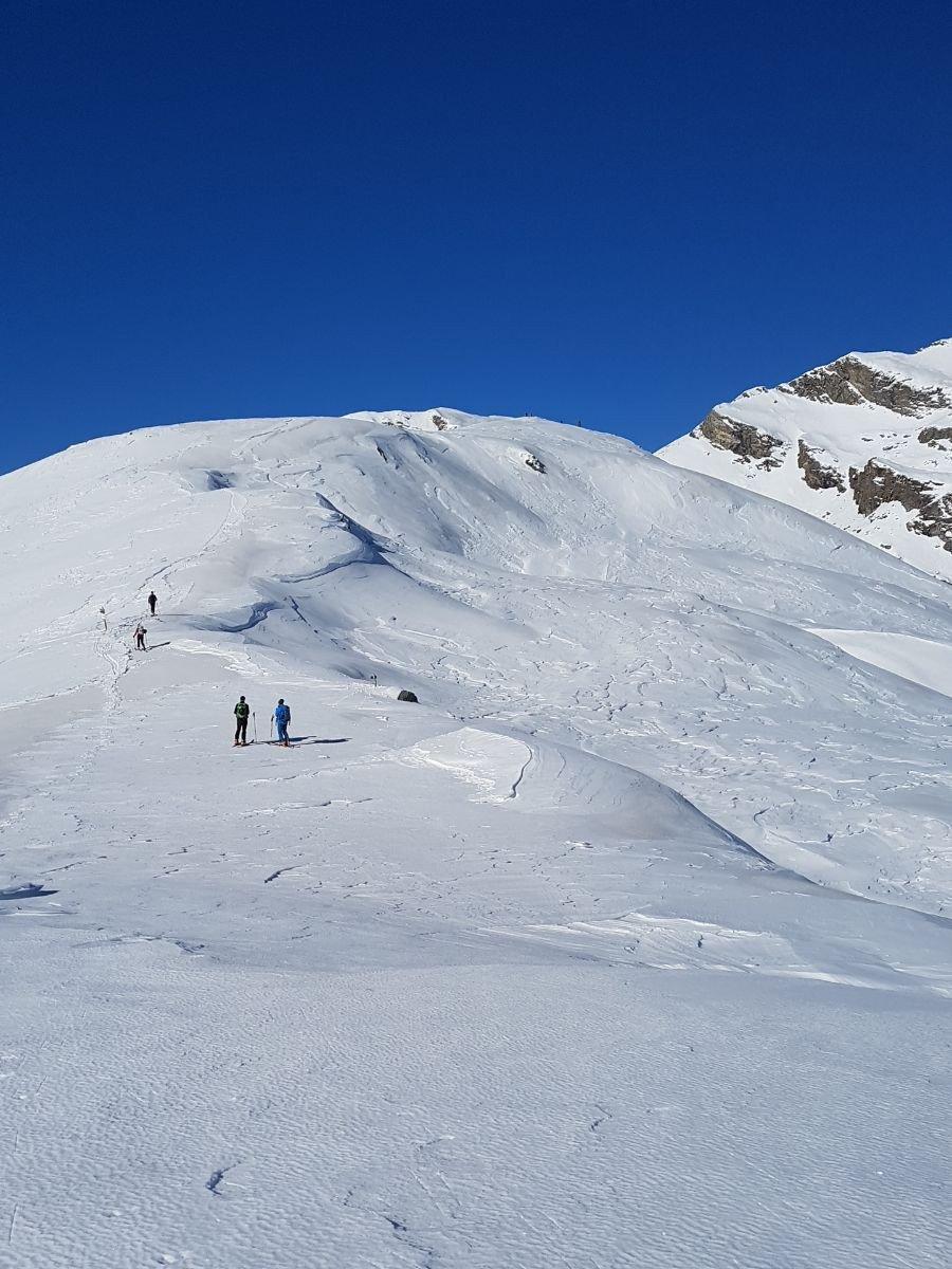 Da Cima Bracca vista sul Colle Pian Spergiurati e dorsale verso la cima Vallone