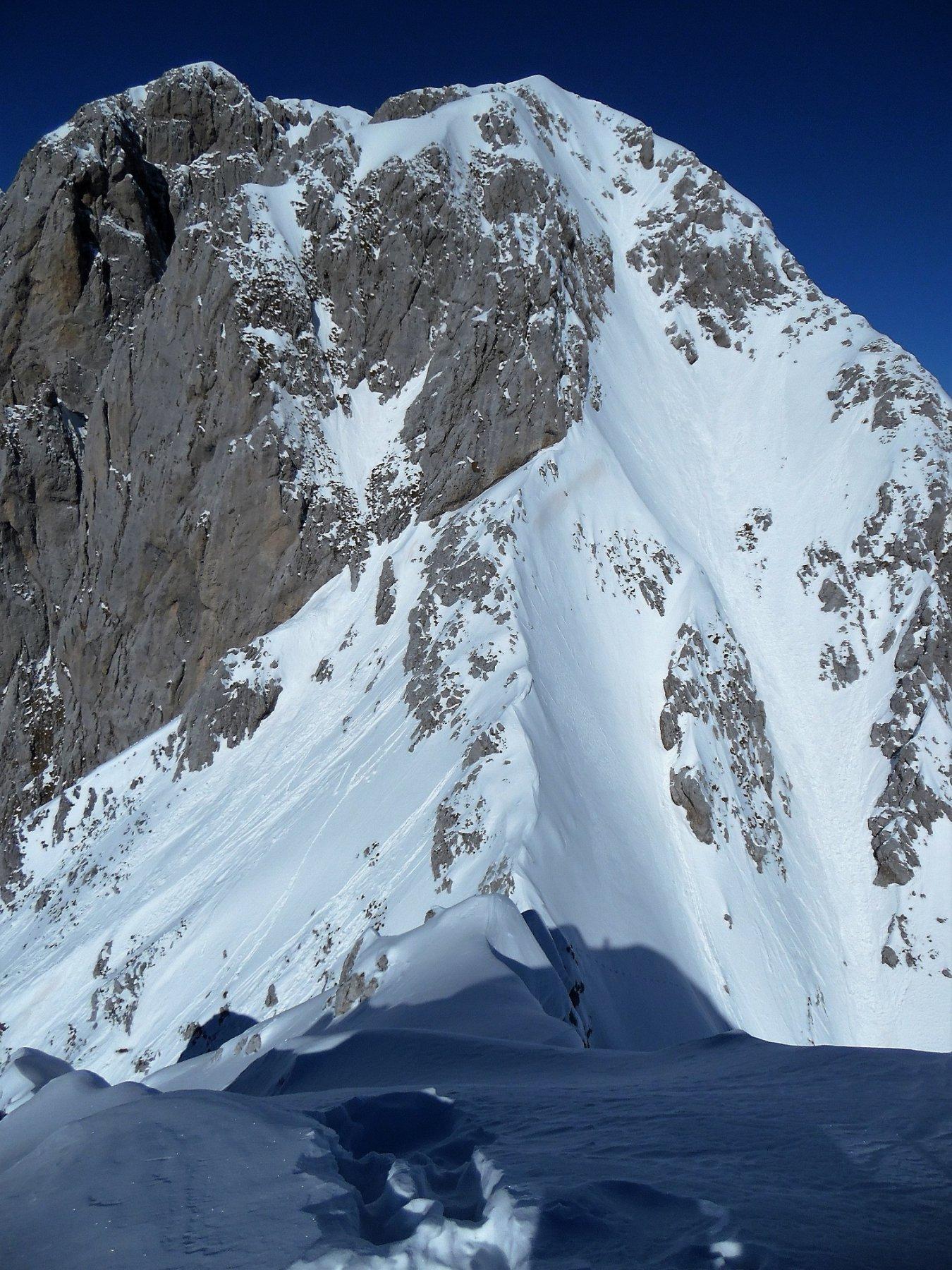 Passo e cresta innevata tra il Visòlo e la Presolana Orientale