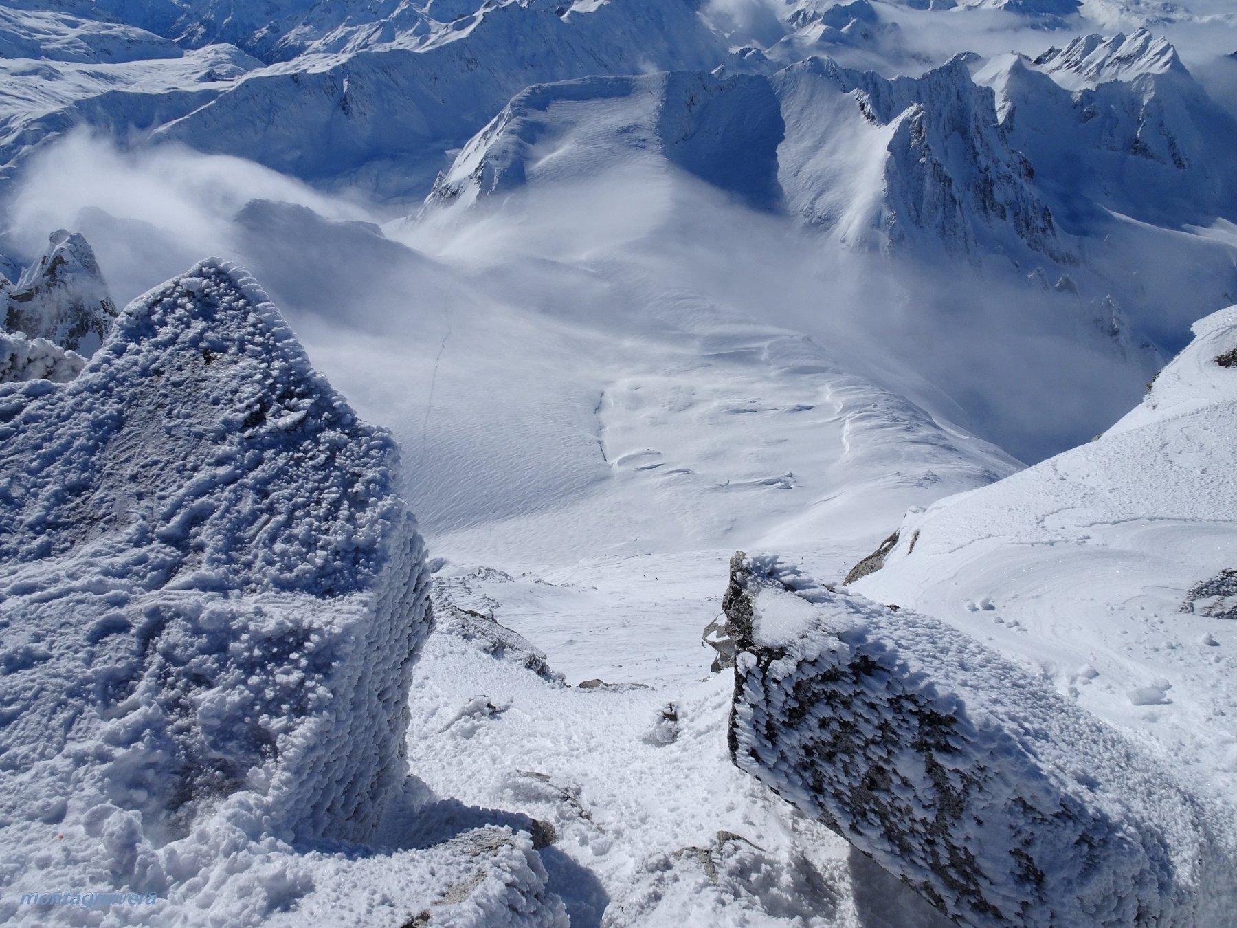 dai 3070 m della vetta verso i 2650m del Gerenpass