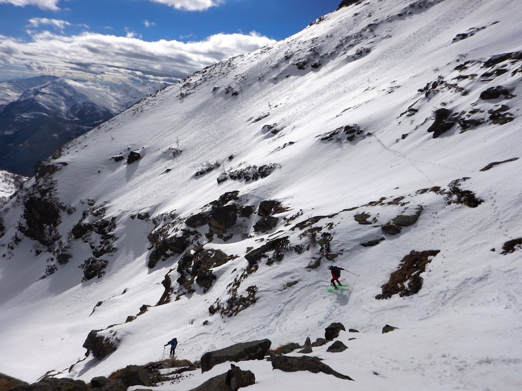 Passaggi su buona neve un pò umida a metà discesa