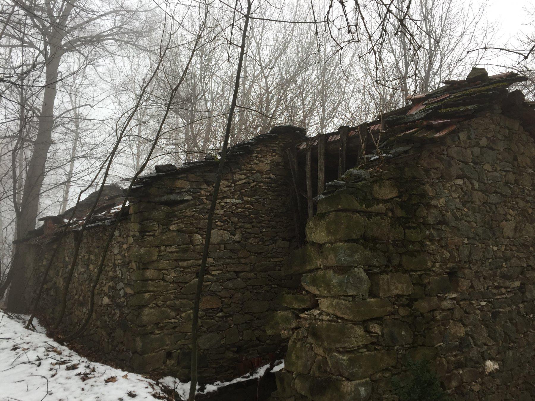 vecchie abitazioni abbandonate