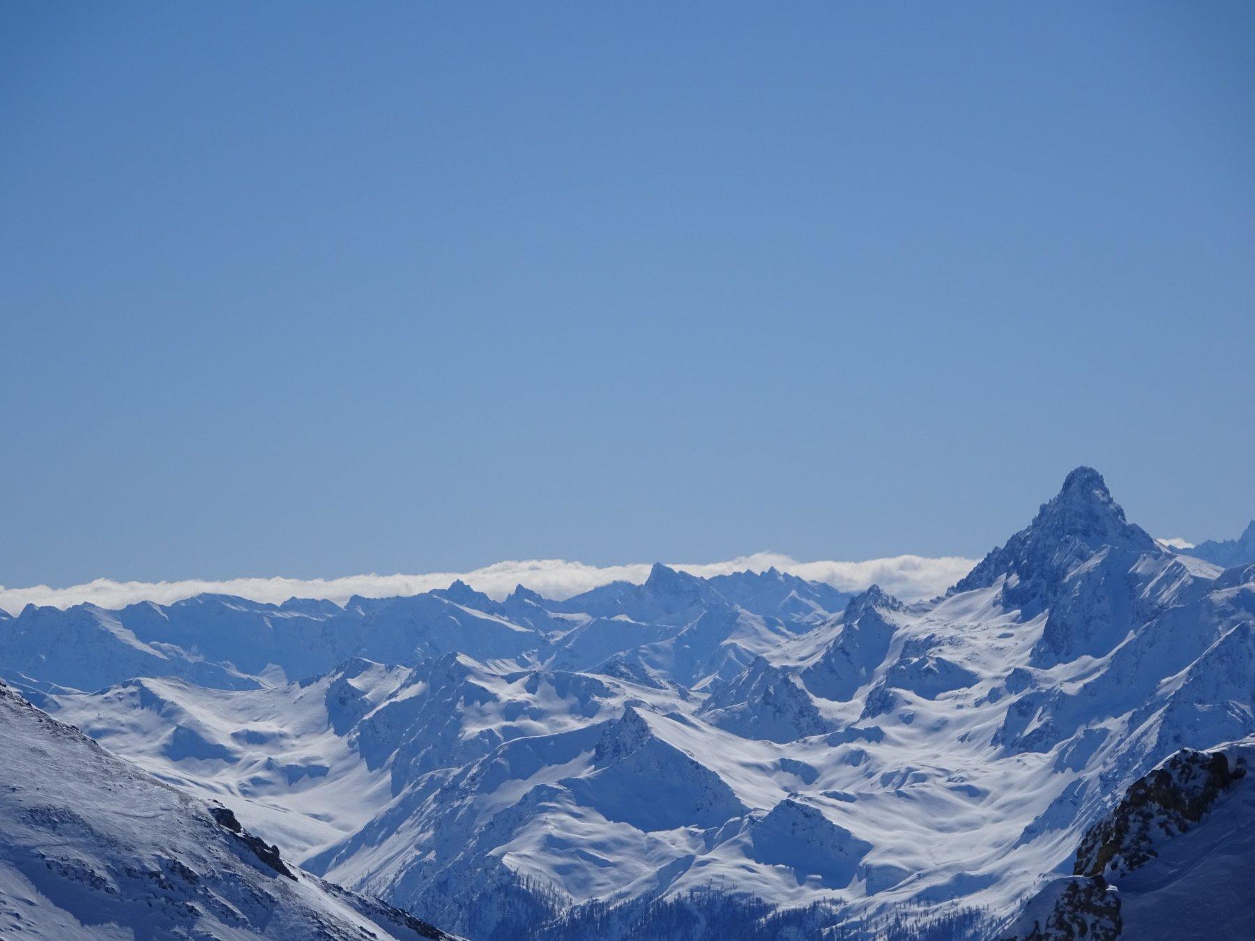 Panorama dai Rocher Charniers verso il Pic de Rochebrunne