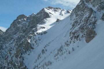Il ripido canale del Col D'Ars   I   Le raide couloir du Col D'Ars   I   The steep Col D'Ars couloir   I   Die steile Rinne des Col D'Ars   I   La pendiente canal del Col DÁrs
