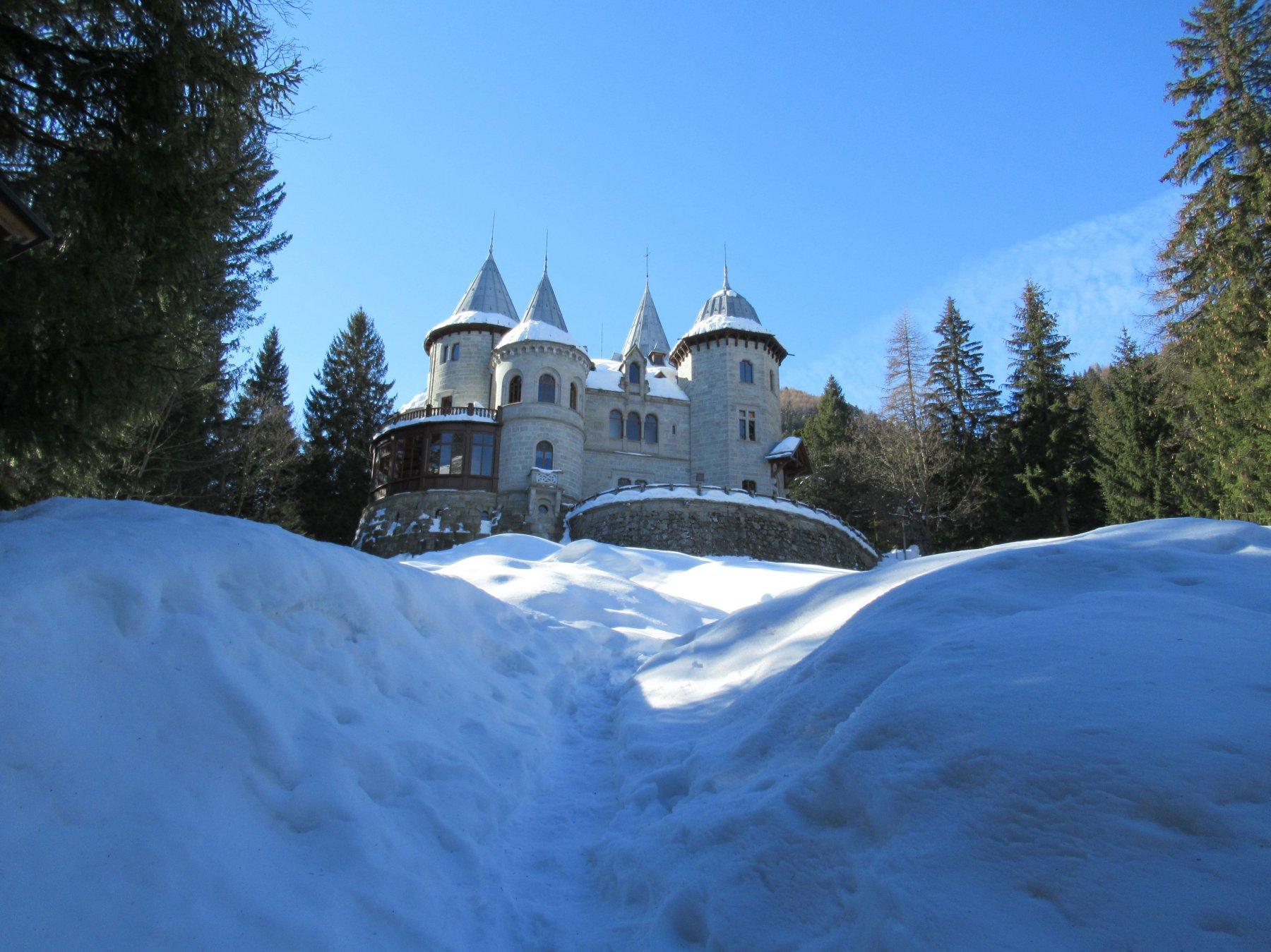 Castello Savoia a Gressoney Saint Jean