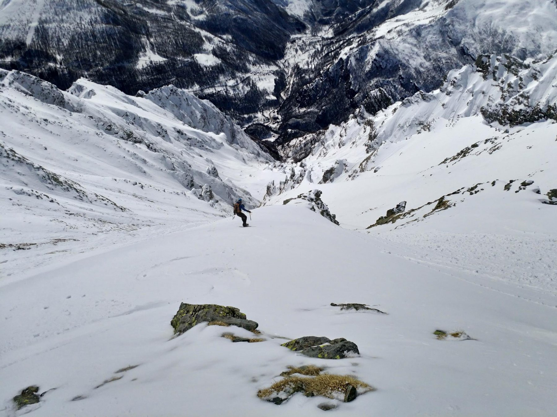 Splendida neve liscia sulle dorsaline
