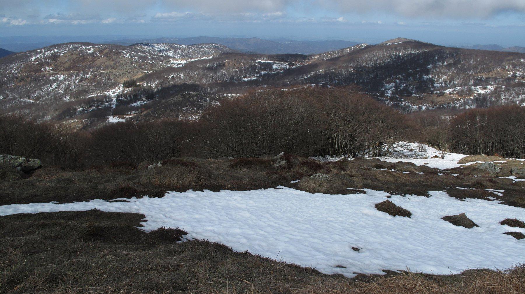 sotto la vetta la neve è scomparsa
