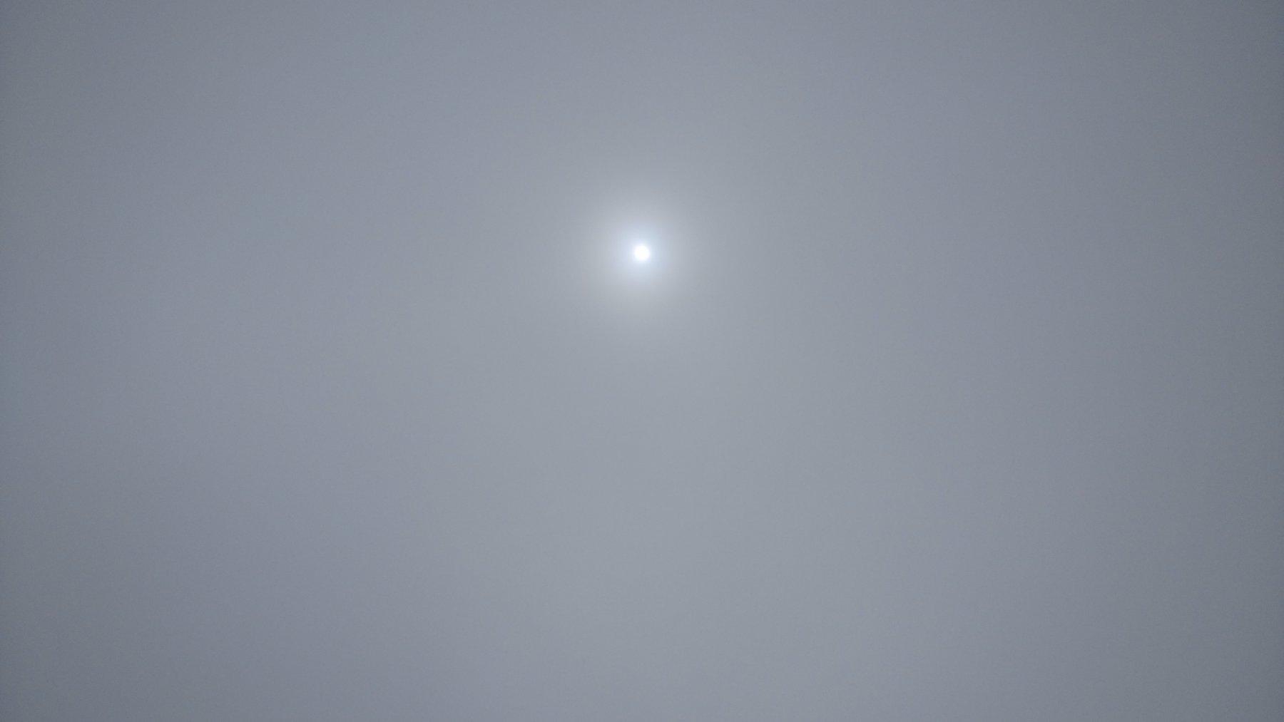 C'è anche il sole oltre... Alla nebbia