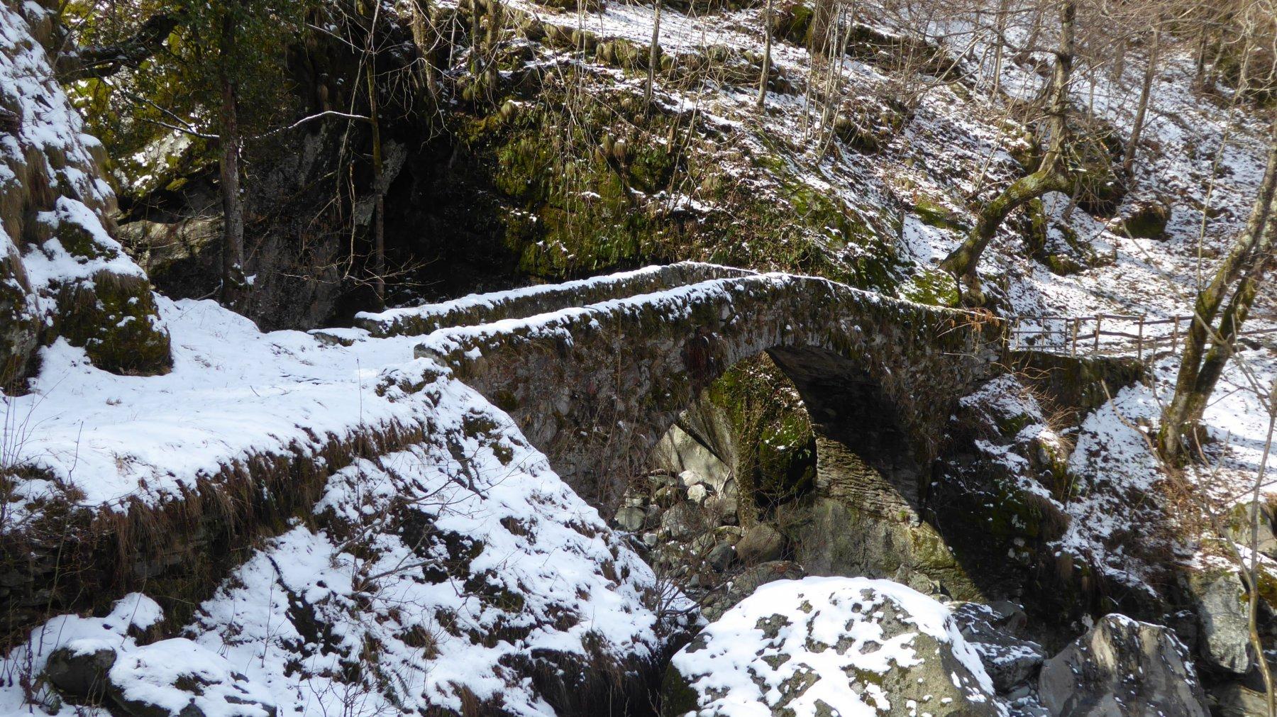 Ponte romanico di Chironio superiore