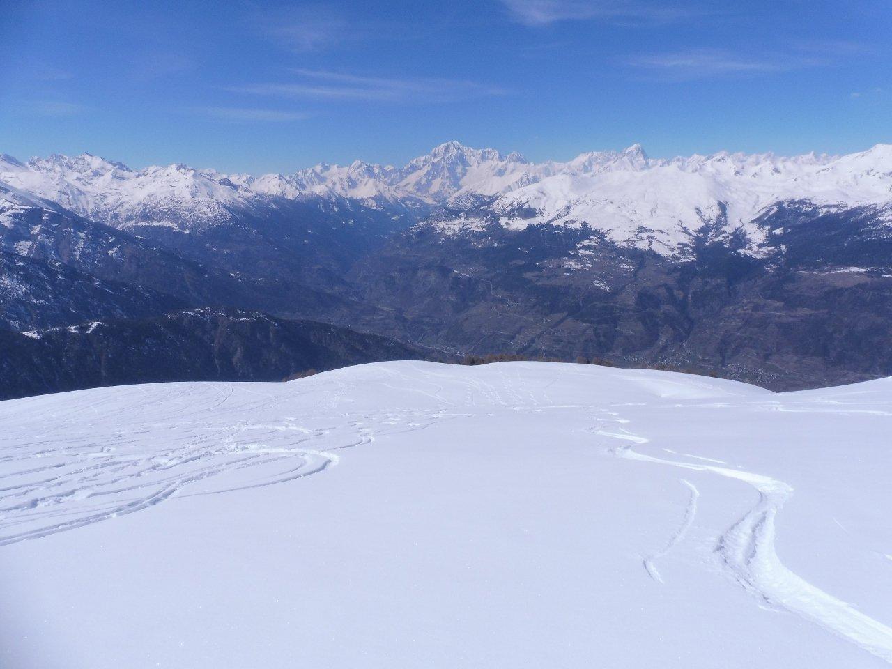 03 - giornata dal panorama sensazionale, Monte Bianco davanti. Gli spazi vergini si trovano ancora