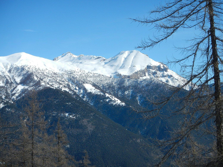 Vista sul Monte Vin Vert, Cima del Vallonetto e Monte Seguret
