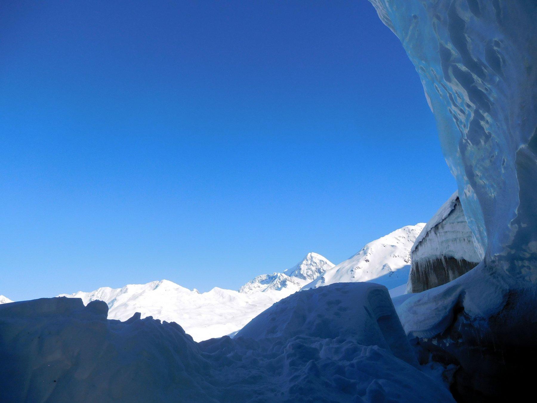 la fronte del ghiacciaio dei Forni e il Gran Zebrù