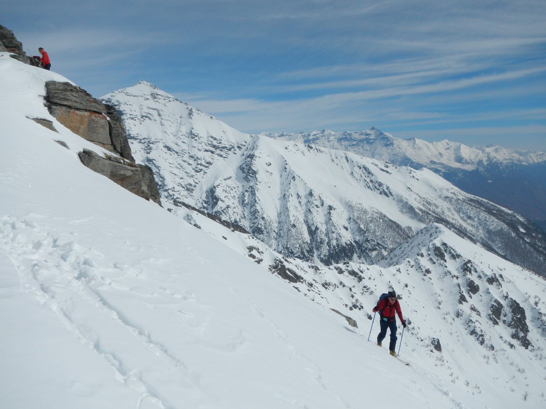 ultimi metri; sullo sfondo il Monte Niblè